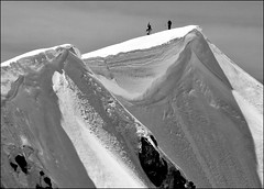 Mount St. Helens crater high point (@GilAegerter / klahini.com) Tags: blackandwhite bw snow mountains volcano nikon climbing volcanoes nikkor mountsthelens 55200mmf456 d3200 nikon55200f456