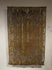 (Stitchinscience) Tags: velvet dyeing discharge shibori devore overdyeing fashionandtextilemuseum mariancleaver