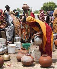 Water post in Jaipur 1 (Holofoto) Tags: india asia rajasthan portretter mennesker luharu indere portretterfraindia indiskvannpost