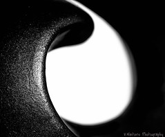 My version of yin yang in monochrome... (KWinters Photography) Tags: bw white abstract black macro art monochrome closeup grey nikon gray minimal nikkor yinyang simple minimalistic schwarz nahaufnahme weis schwarzweis d5500