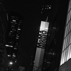 (Emilien Gass) Tags: newyorkcity blackandwhite newyork night canon manhattan moma museumofmodernart midtown 550d