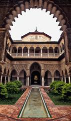 Same Same (Don Csar) Tags: espaa building pool architecture sevilla spain europa seville andalucia realalczardesevilla