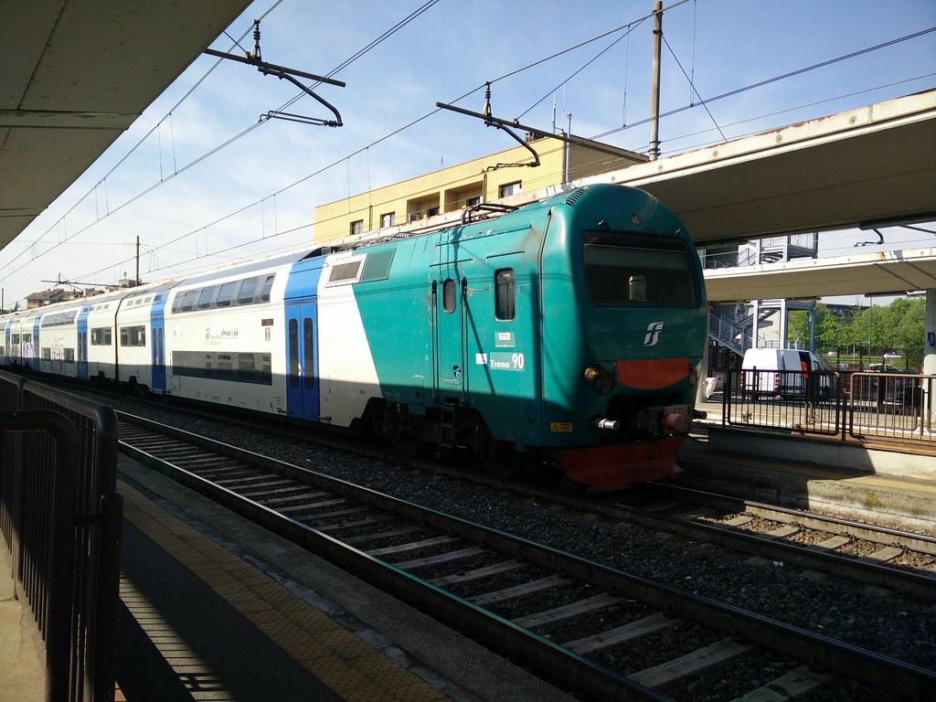 The world 39 s best photos of alta and treni flickr hive mind - Orari treni milano torino porta nuova ...