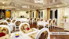 SRC - Restaurant & Bar (5) (Signature Royal Cruise) Tags: travel bar dinner restaurant boat cabin drink room vietnam meal dinning suites halongbay foodbeverage vietnamtour luxurycruise asiatour luxuryboat halongtour luxuryjunk signaturecruises signatureroyalcruise