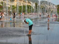 Happiness :)) (valeriaconti136) Tags: game france water children bambini happiness francia nizza gioco provenza felicit allaperto