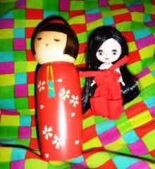 Red 90/365 (Bebopgirl1969) Tags: doll kokeshi petiteblythe tsukiusagi