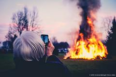 Festa del pan e vin a Valdengo (Biella) (andreabattagin) Tags: fire piemonte smartphone cellulare fujifilm festa biella fuoco tradizioni valdengo signora biellese fujixe2