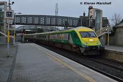 4007 passes Portarlington, 27/1/16 (hurricanemk1c) Tags: irish train rail railway trains railways caf irishrail intercity portarlington 2016 4007 mark4 iarnród éireann iarnródéireann 1420corkheuston