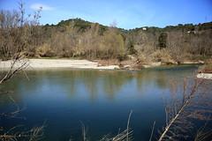 Anglų lietuvių žodynas. Žodis riverbank reiškia n upės pakrantė, paupys lietuviškai.