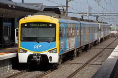Siemens departs (PJ Reading) Tags: city public sunshine station electric train metro suburban transport siemens rail railway australia melbourne victoria mel multiple commuter emu vic pax passenger aus mtm regional ptv unit