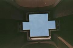 Bofill Arquitectura (quentinsimon) Tags: paris film kodak t5 portra yashica bofill ricardobofill