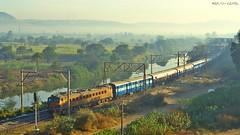 Pragati Express (AyushKamal2014) Tags: kamshet pragatiexpress kynwcam3