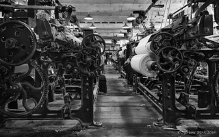 Quarry Bank Cotton Mill - Power looms