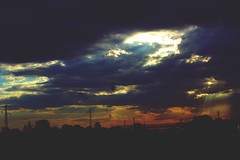 spring sunset (checca.depascali) Tags: sunset cloud fastcar