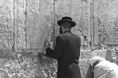 the western wall (moltofredo) Tags: bw israel jerusalem sw klagemauer
