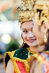 smile (vujade762) Tags: new girl smile gold year laos