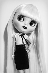 [ETSY] MaisonDaisy 1/3 (Eloines) Tags: portrait white black hair gold outfit nikon doll dolls factory 14 fake sigma skirt blonde bjd blythe chic elegant tbl takara darcy sophisticated collecting chique fbl bl 30mm ebl rbl d3200 pureneemo