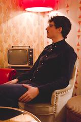 (Coral G. Granda) Tags: madrid red wallpaper orange lamp shop vintage print tv rojo retrato retro lampara cafeteria naranja malasaa portrair cefe vintageshop vintagefurniture tungsteno vintagecafe televisiion lolinavintagecafe lolinavintage