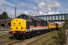 37254 - Peterborough LIP - 30.04.2016 (Tom Watson 70013) Tags: test tractor robin station train diesel railway prince driver lip peterborough intercity mbe colas class37 37025 37254 1q86