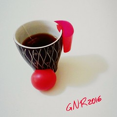 Clowntagiata anch'io! #gnr2016 #vipfondic #staccepuretu #metticilnaso #MyDailyCupOfTea #tea #t #cup #teacup #tazza #mug #hottea #tcaldo #instatea #tealover #teaporn #teatime #tealife #teaaddict #teastagram #teaoftheday #drink #commercioequo #equosolida (PhoebeZu) Tags: cup tea drink mug teacup teatime fairtrade clownnose tazza t hottea teaporn equosolidale commercioequo teaaddict tealover tcaldo teaoftheday tealife instatea mydailycupoftea teastagram metticilnaso staccepuretu gnr2016 vipfondic