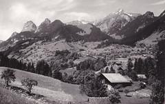 Ansichtkaart Oberwil I.S.3766 (dickjan thuis) Tags: berg schweiz postcard bergen helvetia postkarte ansichtkaart mounten oberwil
