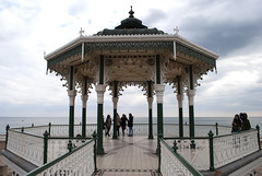 Bandstand, Brighton, United Kingdom (Tiphaine Rolland) Tags: uk greatbritain sea england mer water sussex seaside eau brighton unitedkingdom south gb angleterre kiosque bandstand channel manche sud seasideresort 2016 balnaire royaumeuni grandebretagne borddemer citbalnaire kiosquemusique