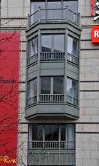 Brussels -- Rue d'Idalie (R. Van Wallendael) Tags: brussels bowwindow