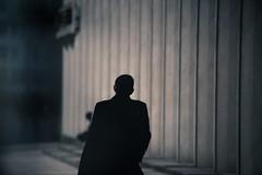 Defense pause dejeuner 8  (1 sur 1) (west elsa) Tags: silhouette canon homme dfense urbain