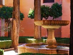 Un dimanche de mars  l'Alhambra (dominiquita52) Tags: fountain garden jardin alhambra granada fontaine