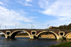Pont Neuf over the Garonne river