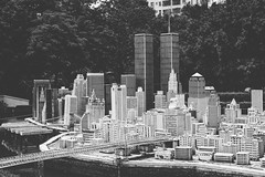 Manhattan (Linus Wrn) Tags: china blackandwhite bw monochrome miniature blackwhite model asia manhattan worldtradecenter guangdong shenzhen twintowers themepark windowoftheworld