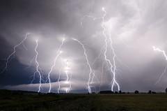Orage trs lectrique en Bourgogne. Assemblage de deux photos. Exposition totale = 1min (suarez.christophe) Tags: dijon bourgogne nuit orage orages clair foudre clairs supercellule