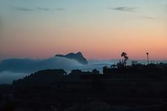 IMG_8205 (jaro-es) Tags: sea espaa canon evening abend smog spain meer nebel nubes spanien calpe costablanca mlha peondeifach spanelsko penyaldifach