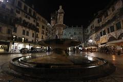 Madonna Verona - Piazza delle Erbe -  Italia (carlo612001) Tags: night italia arte madonna verona piazza architettura piazzadelleerbe veronabynight