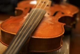violin topaz
