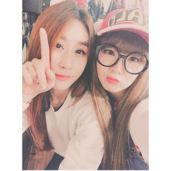 ssohit - Irene with Ryu Sohee (redvelvetgallery) Tags: halloween irene redvelvet sohee kpop choreographer selca smtown  ireneselca ssohit