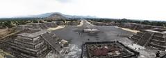 "Teotihuacan: vue depuis la Pyramide de la Lune <a style=""margin-left:10px; font-size:0.8em;"" href=""http://www.flickr.com/photos/127723101@N04/25004413903/"" target=""_blank"">@flickr</a>"