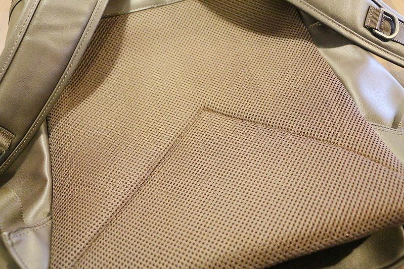 韓國肩背包皮革掀蓋機能收納【KR601】16