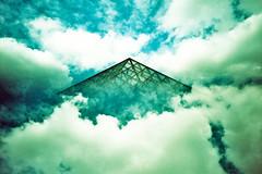 Pyramide Nuage 03 (saturedcamtar) Tags: sky cloud france analog 35mm french outside lca xpro lomography cross alt ciel split process nuage nuages pyramide argentique traitement exterieur crois splitzer