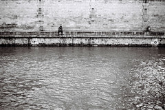 Saint Michel (guillaume TEMIN) Tags: street bw paris france analog photography quaideseine guillaumetemin