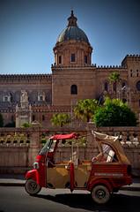 Palermo (Massimo Frasson) Tags: italy italia vespa monumento taxi chiesa palermo oldcity sicilia cattedrale centrostorico pittoresco mezzoditrasporto