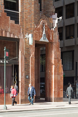 nyc - rca victor building 3 (Doctor Casino) Tags: tower architecture corner manhattan midtown architect artdeco gebuilding generalelectricbuilding crosscross rcavictorbuilding 19291931 570lexingtonavenue johnwcross