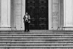 IMG_2654 (Gabrio Malonni) Tags: street blackandwhite bw italy woman white black church canon photo tourist bn read 7d april streetphoto biancoenero peolpe 2016 streetphotographers