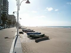 Paseo Maritimo y Playa Victoria (antoniobraza) Tags: mar cadiz paseomaritimo playavictoria oceanoatlantico extramuros puertatierra
