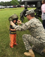 Texas National Guard (The National Guard) Tags: family usa house kids austin children soldier army us apache community dad texas open force tx military air father guard son event national nationalguard soldiers ng openhouse guardsmen troops guardsman airman tmd airmen communityevent txng texasnationalguard americanheroes texasarmynationalguard americanheroesairshow txarng texasmilitarydepartment