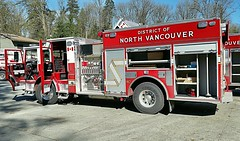 North Vancouver District, BC Engine 3 (4) (walneylad) Tags: red white firetruck pierce fireengine arrow montroyal bomberos firedepartment firebrigade pumper pompiers firerescue bombeiros fireservice emergencyvehicles feurwehr engine3 fireapparatus northvancouverdistrict fireappliances firevehicles pumpladder