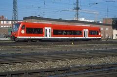 650 024  Ulm Hbf  30.07.02 (w. + h. brutzer) Tags: ulm eisenbahn eisenbahnen train trains deutschland germany railway triebwagen triebzug triebzüge zug db 650 vt webru analog nikon