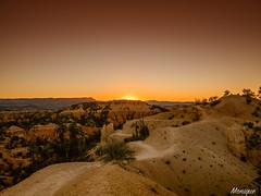 Sunrise in Bryce Canyon. Utah. (moniquevantorenburg) Tags: orange beautiful sunrise utah roadtrip canyon bryce zonsopkomst