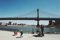 Manhattan Bridge. (sabrina0527) Tags: newyork brooklyn manhattanbridge leicaq