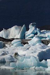 shs_n8_018702 (Stefnisson) Tags: ice berg landscape iceland glacier iceberg gletscher glaciar sland icebergs jokulsarlon breen jkulsrln ghiacciaio jaki vatnajkull jkull jakar s gletsjer ln  glacir sjaki sjakar stefnisson